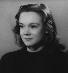 http://upload.wikimedia.org/wikipedia/commons/thumb/4/46/Lise_Topart_en_1948.jpg/220px-Lise_Topart_en_1948.jpg