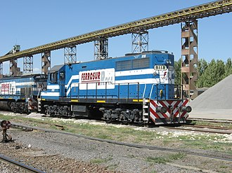 Ferrosur Roca - Locomotive Brian 8118 (GE U18F reformated) stopped in Cañuelas station, Buenos Aires.