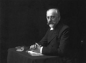 Louis Held - Self-portrait taken 1913