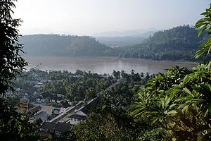 Geography of Laos - The Mekong at Luang Prabang, Laos
