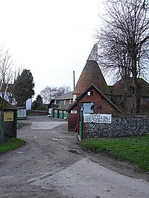 Luddenham Court Farm - geograph.org.uk - 302904.jpg