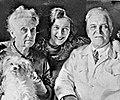 Lyubov Orlova with her parents.jpg