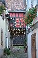 Maison décorée de maïs à Barr (29602904171).jpg