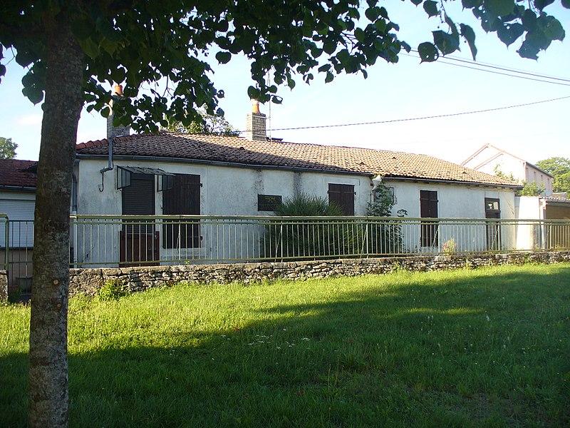 Maison natale de Bernard Dimey, avenue du 8 mai 1945 à Nogent (Haute-Marne).