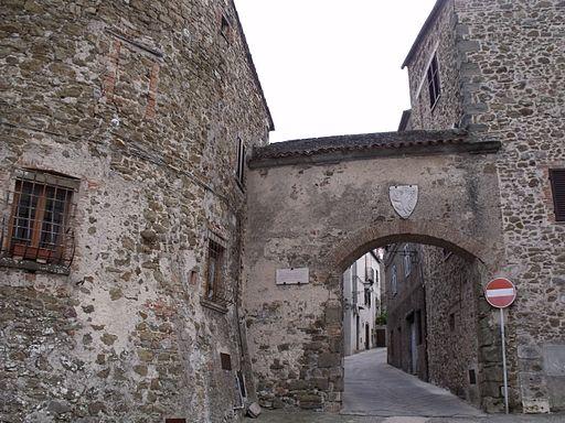 Manciano, Porta Fiorella