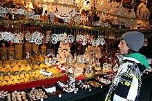 Stände Weihnachtsmarkt.Weihnachtsmarkt Wikipedia
