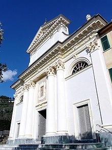 La chiesa di Nostra Signora delle Grazie presso la frazione di Megli