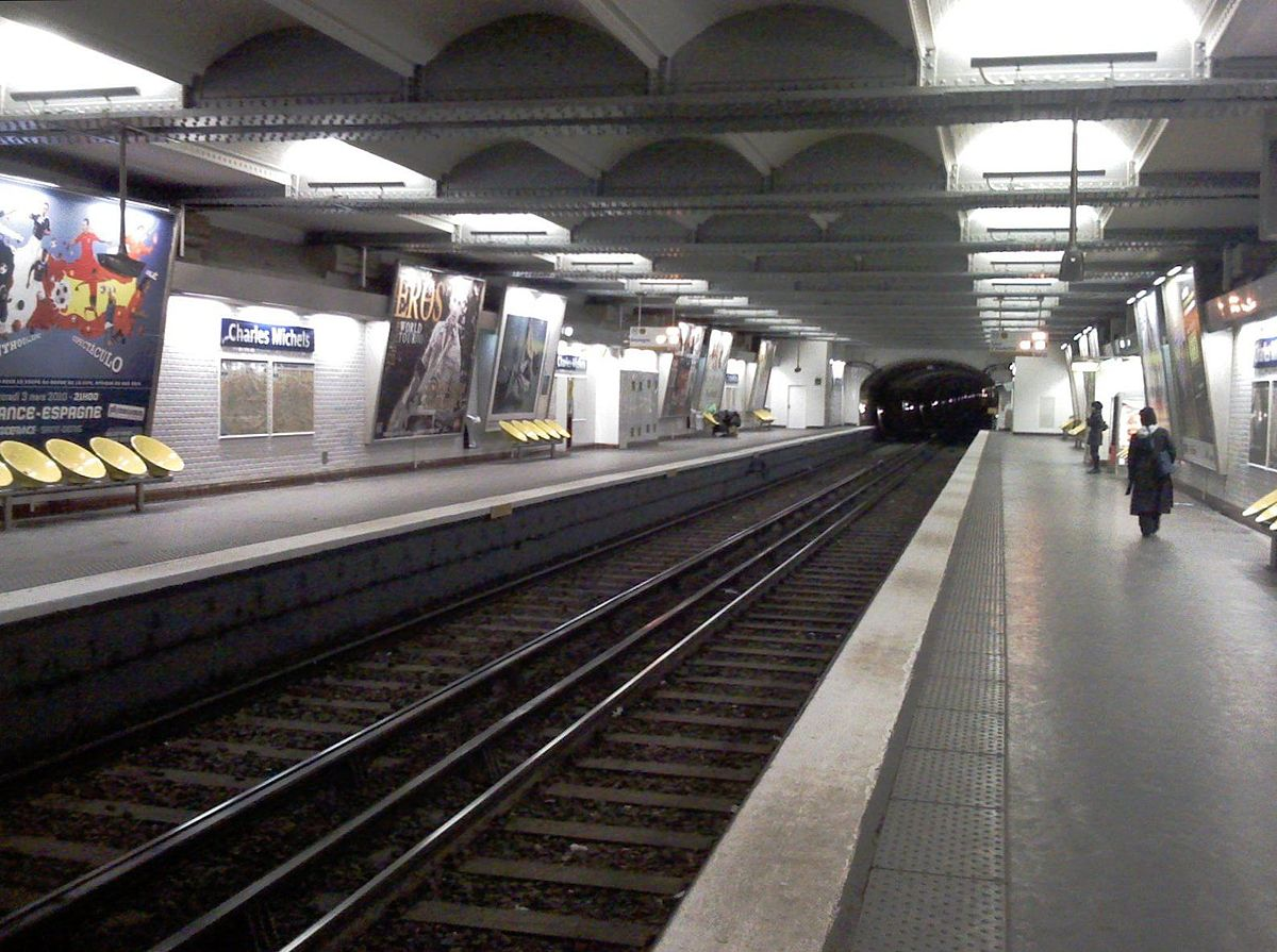 Charles michels paris m tro wikipedia - Porte de st cloud metro station ...