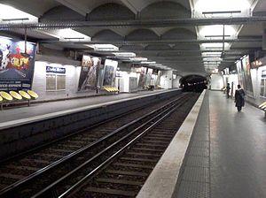 Charles Michels (Paris Métro) - Image: Metro Charles Michel Paris