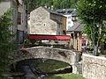 Meyrueis - Pont sur le Béthuzon place Sully.JPG