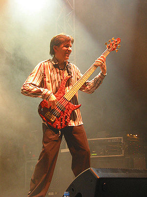 Toto (band) - Mike Porcaro in 2005 in Germany