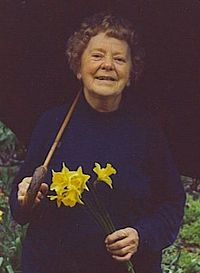 Mona Douglas late in life, photographed by Valerie Cottle