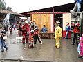 Monos ballant a Chichicastenango.JPG