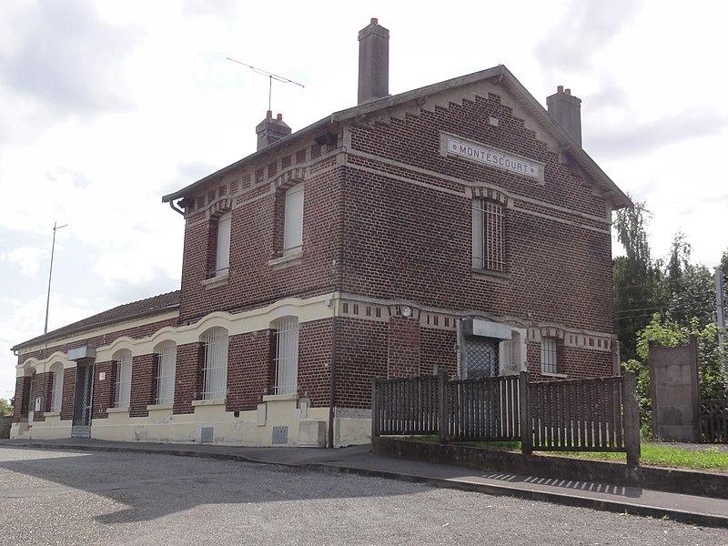 Montescourt-Lizerolles (Aisne) gare de Montescourt (ancien bâtiment)