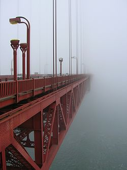 http://upload.wikimedia.org/wikipedia/commons/thumb/4/46/Morning_Fog_at_GGB.JPG/250px-Morning_Fog_at_GGB.JPG