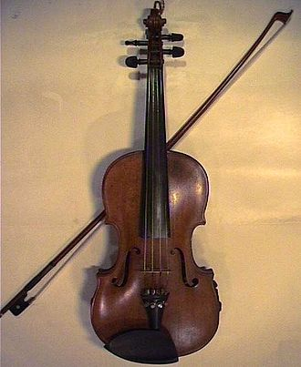 Irish traditional music - A fiddle and bow