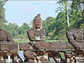 Naga-balustrade de lentrée est du temple Preah Khan (Angkor) (6983007141).jpg