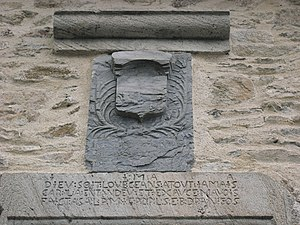 Nages (Tarn) - Inscription au dessus de la por...