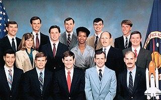 NASA Astronaut Group 12 Wikimedia list article