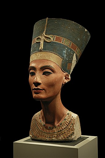 The Bust of Nefertiti, by the sculptor Thutmose, is one of the most famous masterpieces of ancient Egyptian art. Nefertiti 30-01-2006.jpg