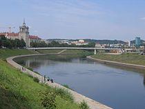 Neris river in Vilnius.jpg