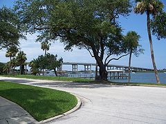 New Smyrna A1A south causeway01.jpg