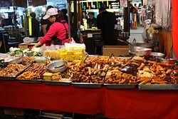 Night market Taiwan 2013 2 amk.jpg