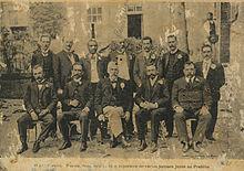 O sr. Pereira Passos, seus auxiliares e repoerters de varios jornaes junto ao prefeito. Entre os auxiliares Paul Villon..jpg