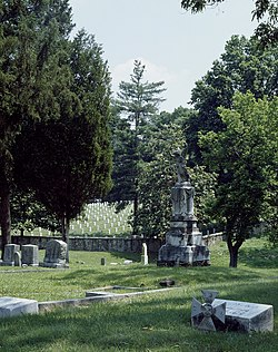 Oakwood Confederate Cemetery in Raleigh, North Carolina.jpg