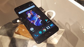 OnePlus 5 - A OnePlus 5 on display at a London popup event