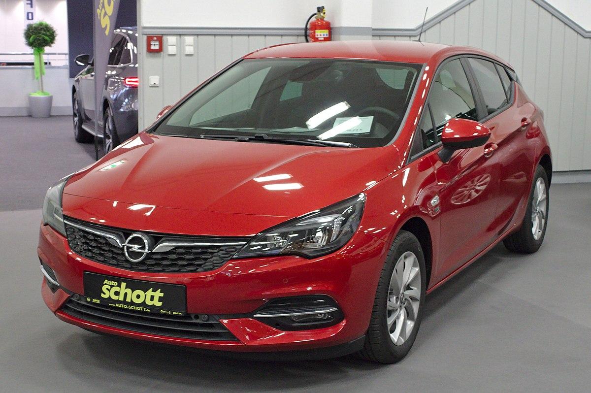 2020 Opel Astra History