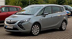 Opel Zafira Tourer 2.0 CDTI Innovation (C) – Frontansicht, 23. Mai 2013, Heiligenhaus.jpg