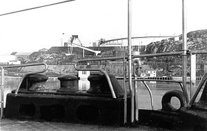 Ore loading facility at the port of Kirkenes (Norway) - 1957.jpg