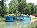 Péniche sur le canal de Garonne.jpg