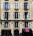 P1260194 Paris VII rue de Universite n6 rwk.jpg