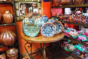 Santa Clara del Cobre - Painted and burnished copper items for sale