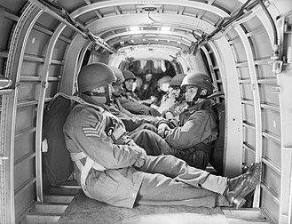 Armstrong Whitworth Whitley - Paratroopers inside the fuselage of a Whitley, August 1942