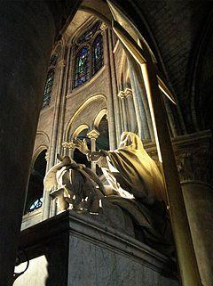 Paris Notre-Dame cathedral statue Pieta by Nicolas Coustou zz.jpg