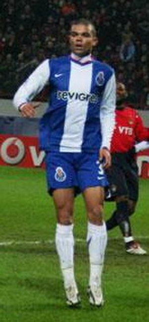 Pepe (footballer, born 1983) - Pepe playing for Porto in 2006.