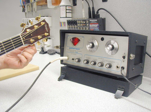 Peterson Electro-Musical Products - Peterson Model 520 Strobe Tuner