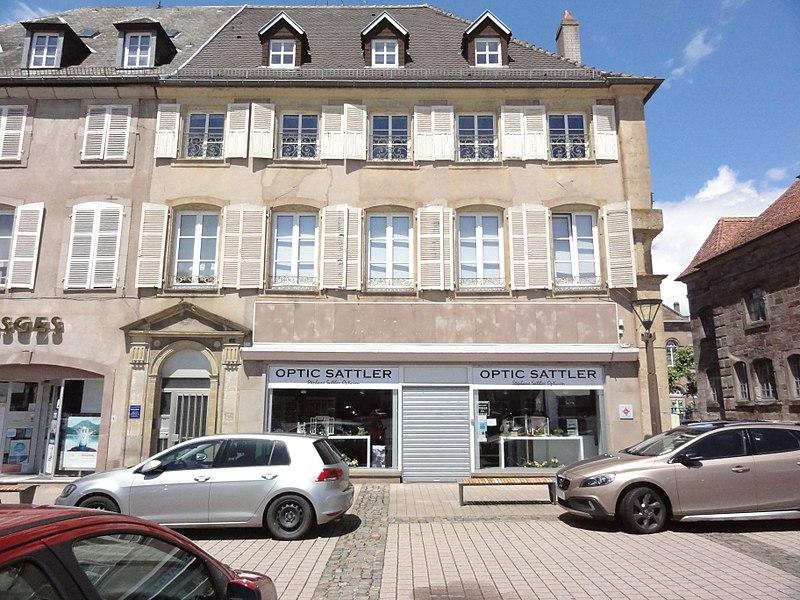 Phalsbourg (Moelle) Place d'Armes 01 MH