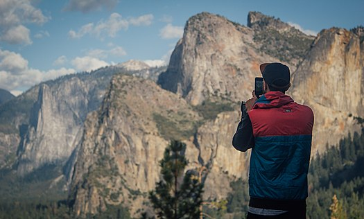 Photographing Yosemite (Unsplash).jpg