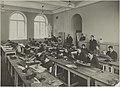 Piirustuksen opetustilanne, 1920-luku, Taideteollisuuskeskuskoulun opetustilanteita.-TaiKV-07-011.jpg