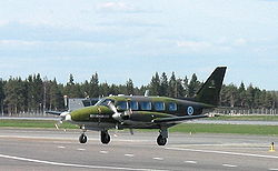 Piper Chieftain.jpg
