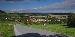 Pohled na obec od jihu, Brumov, okres Brno-venkov.jpg