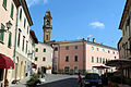 Pomarance, piazza del paese 01.JPG
