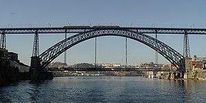 Porto Half Marathon - The race crosses the River Douro over Dom Luís Bridge