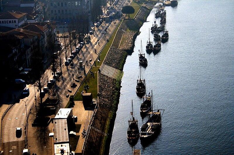 File:Port, Portugal 27-08-2012.jpg