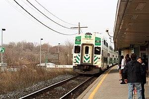 Port Credit GO Station - Image: Port Credit GO Station Bombardier cabcar