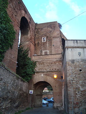 Porta Caelimontana - The Porta Caelimontana